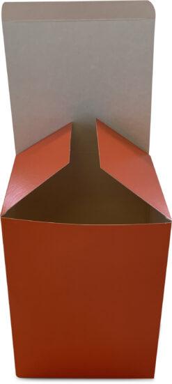 Orange gaveæske - mål: 135x125x180 mm